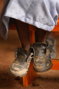 ending-poverty-shoes-tanzania